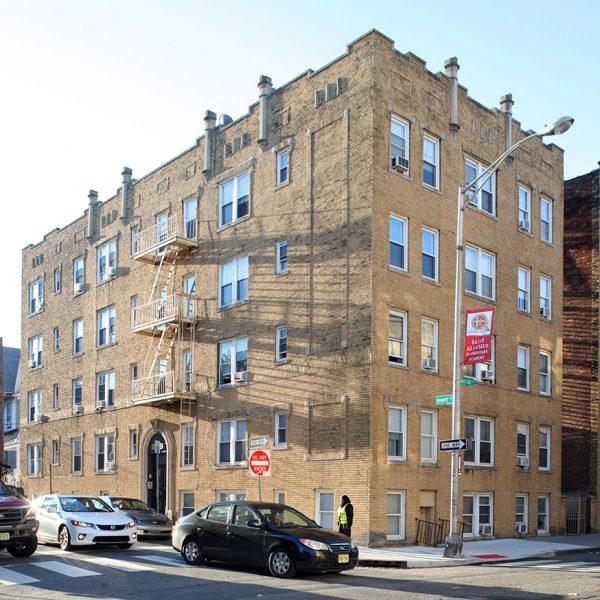 269 Jewett Ave, Unit 102 Jersey City, NJ 07304