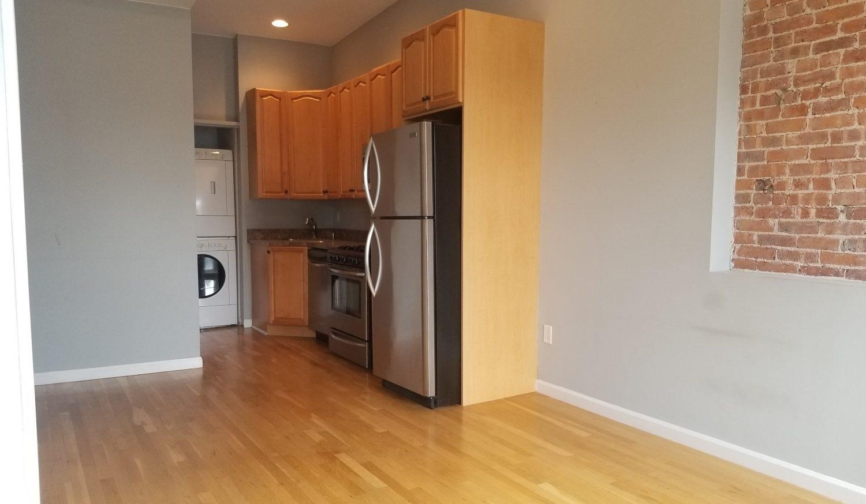 673 Bergen Ave, 3C, Jersey City NJ 07305 McGinley Square Jersey City